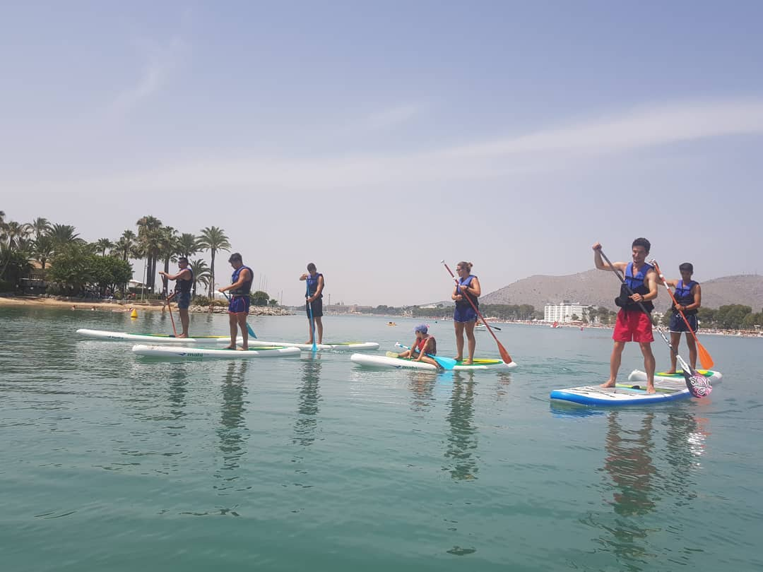 Res com un passeig de bon dematí per començar el dia. There is anything better to start the day on the paddle surf?